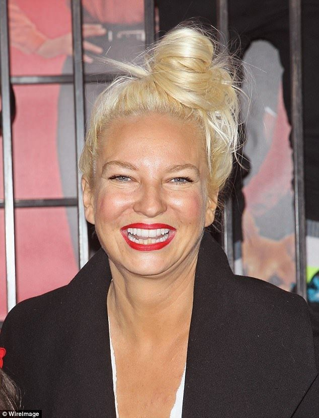 Sia Plastic Surgery Sia Looks Youthful At Lax After Filing For Divorce Daily Mail Online Celeb Plastic Surgery Operations Gone Wrong Photo Sia Sia Plastic Surgery Gone Wrong Before After