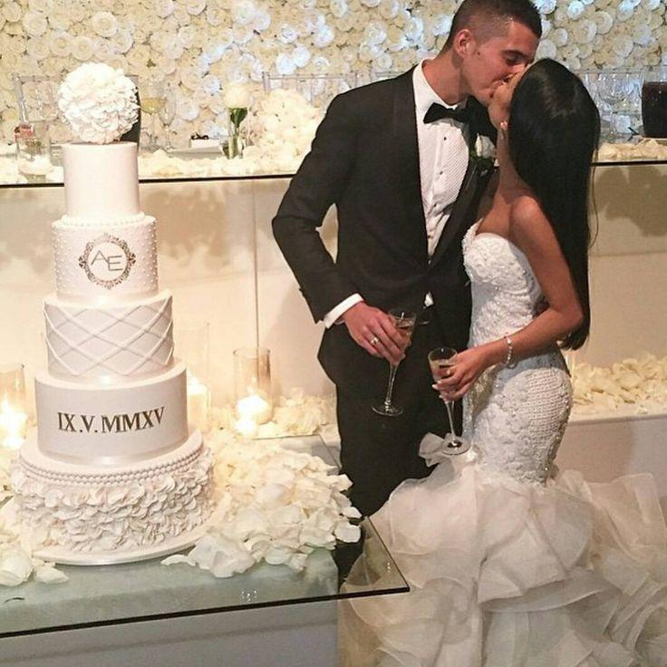 """Bridal Expert  on Instagram: """"Goals ❤ Beautiful #bride wearing Leah Da Gloria ❤"""""""