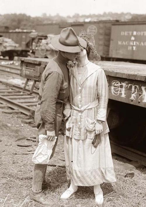 WWI goodbye kisses