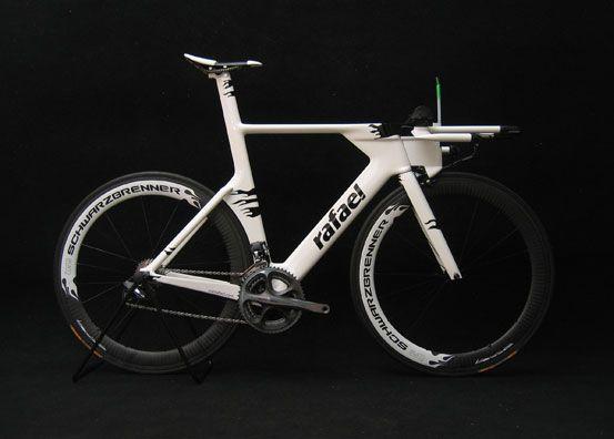 Rafael Hoffleit's custom carbon #triathlon #TT #swimbikerun #cycle