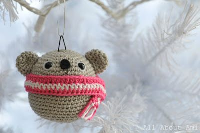 Вязаные украшения на елку: медведь, панда, коала | AmiguRoom