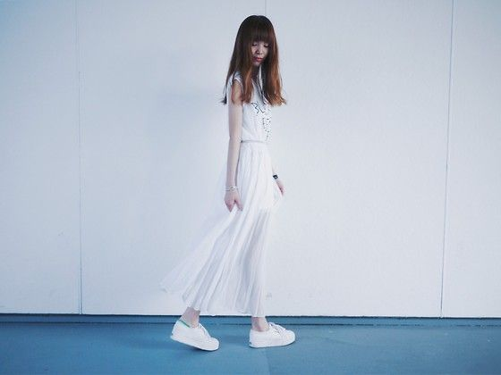Get this look: http://lb.nu/look/7469560  More looks by Una Yeung: http://lb.nu/user/3978298-Una-Y  Items in this look:  Vivaladiva Gauze White Long Dress, Superga White Sneakers, Links London Bracelet