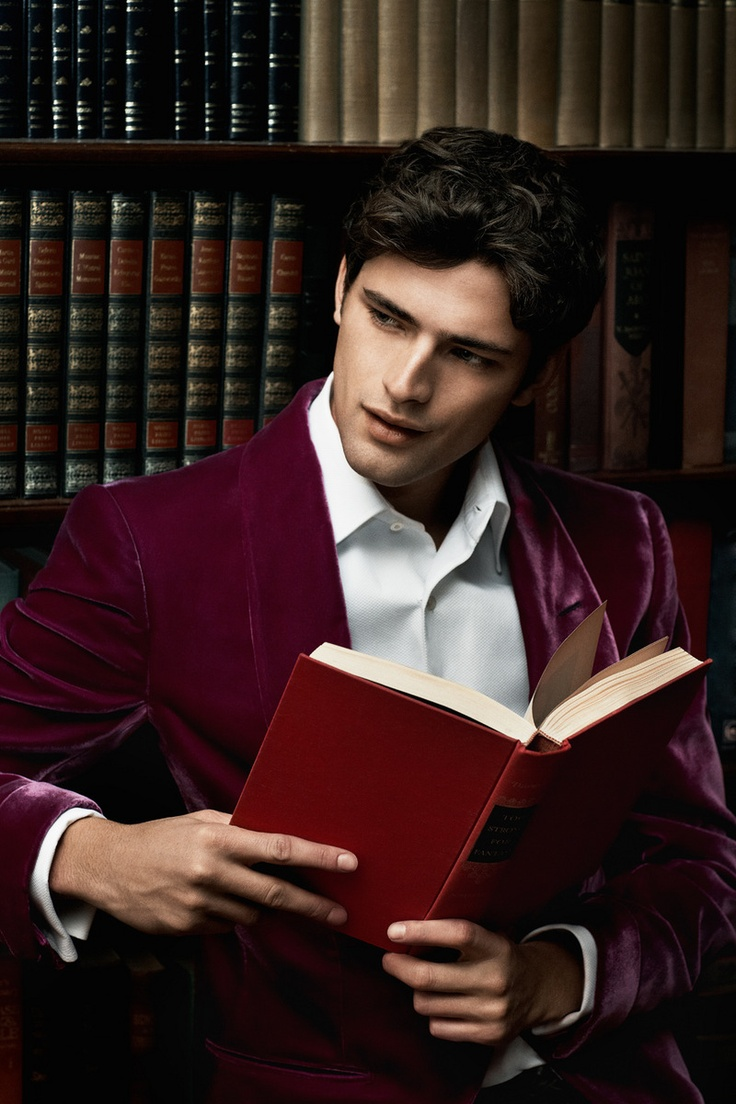 Sean O'Pry reading *dies* He is one of my favorite male models!