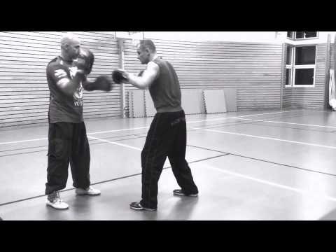 Coach Roger Mittology padwork- Mayweather style - with Kickboxer Champio...