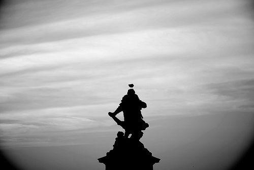 17 - 4 juin 2009 Le soir, depuis les remparts de Saint-Malo Statue de Jacques Cartier