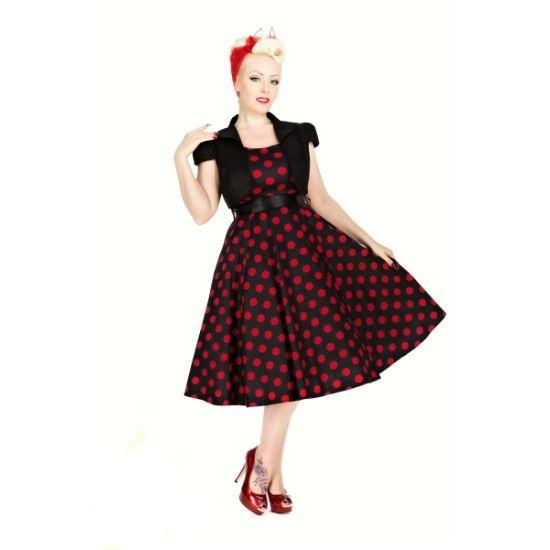 Šaty s bolerkem Vivian Black Red Polka Šaty ve stylu 50. let z londýnské dílny H&R London. Krásné šaty ve střihu Audrey, v klasické černé s výrazným červeným puntíkem střední velikosti, v pase širší saténová stuha (volně upevněná, lze v případě potřeby vyměnit za jiný pásek). Příjemný dobře padnoucí materiál (97% bavlna s 3% podílu elastanu). Součástí setu je černé krátké bolerko pro doladění vašeho outfitu, chladnější večery či získání slavnostnějšího rázu šatů. Pro bohatší objem kolové…