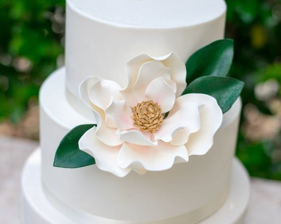 3 Magnolia Leaves For Gumpaste And Sugar Flower Cake Toppers By Kelsiecakes With Images Flower Cake Toppers Flower Cake Sugar Flowers Cake