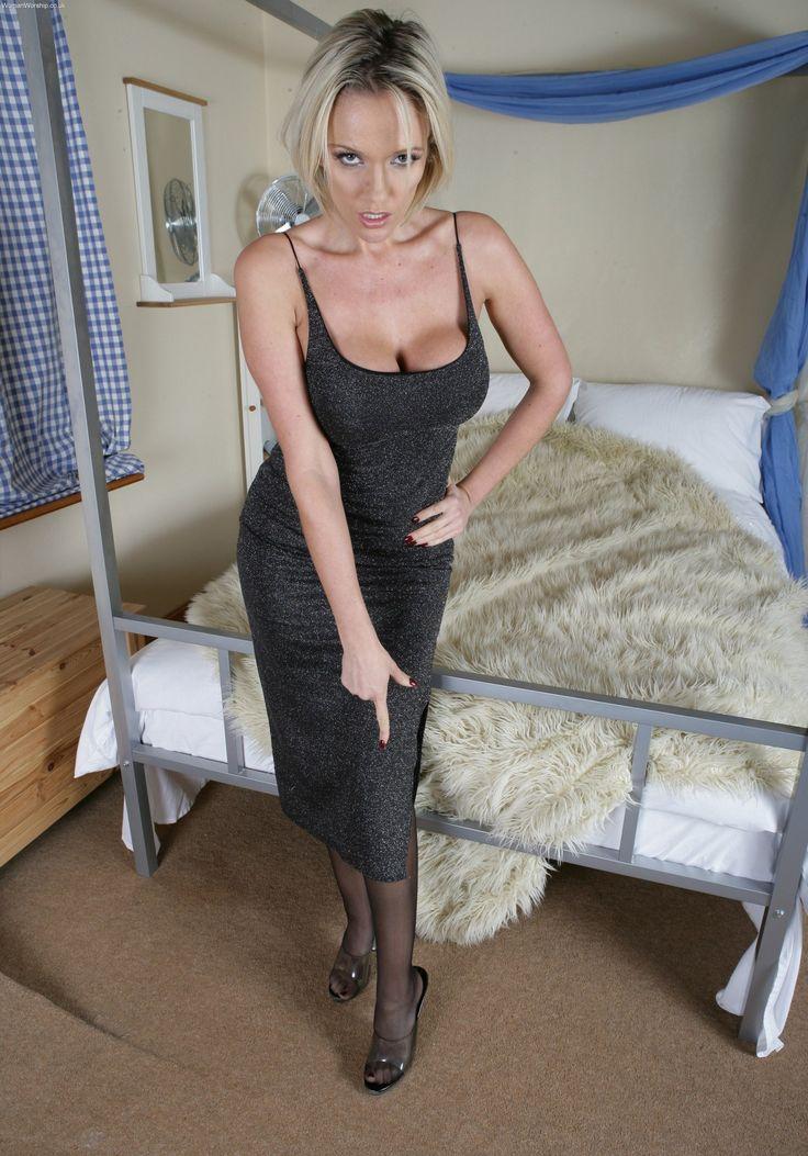 British upskirt mature aunty shirley swallows cum - 3 part 7