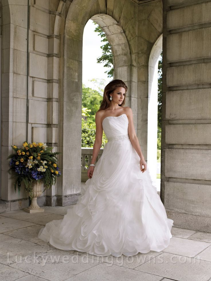 Strapless Organza Full A-line Wedding Dress with Softly Curved Neckline