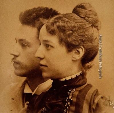 Joaquín Sorolla y su esposa Clotilde. Foto tomada por Antonio García Peris, padre de ella. 1888