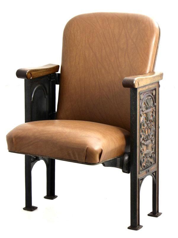 Lote 6 - VELLVE, CADEIRA DE CINEMA - Arte Nova em ferro e madeira estofada em napa castanha. Dim: 85x55x50 cm. Nota: sinais de uso - Current price: €230