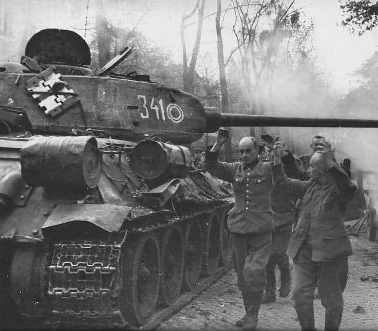 T-34/85 and German POW Berlin 1945