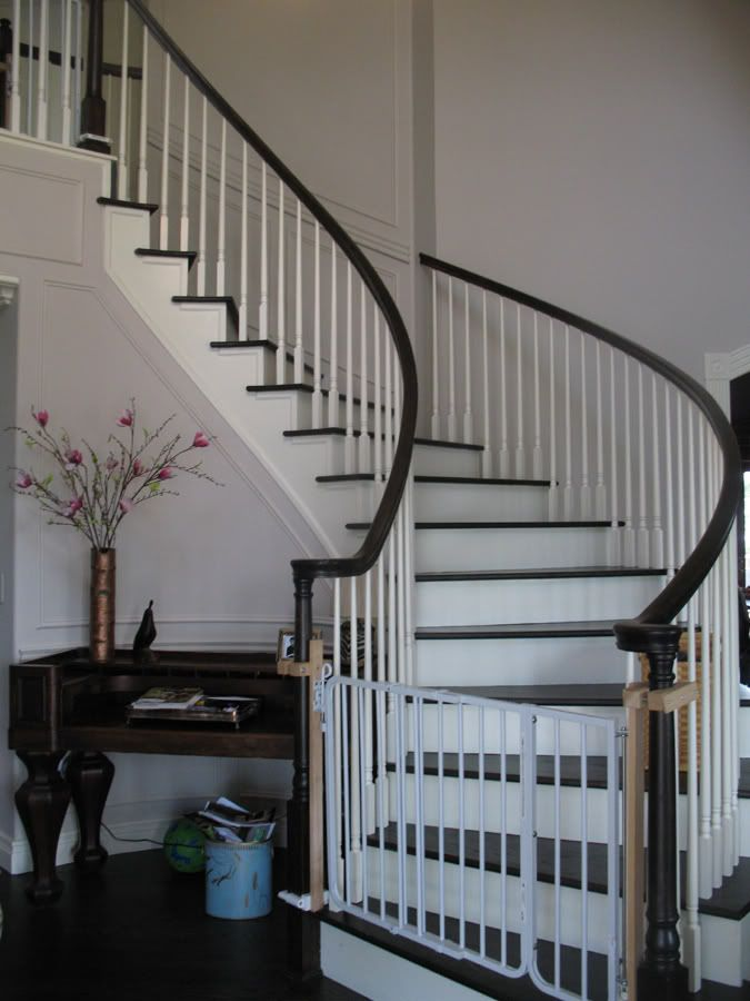 Our Front Curved Stair, We Smooth Coated And Added All Moldings / Trim  Which MAKES This Stair Presentable. (chair Rail / Picture Frame Molding,  Babu2026