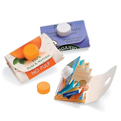 Upcycle milk or orange juice carton into ingenious carrying case for change http://www.handimania.com/diy/recycled-carton-wallet.html