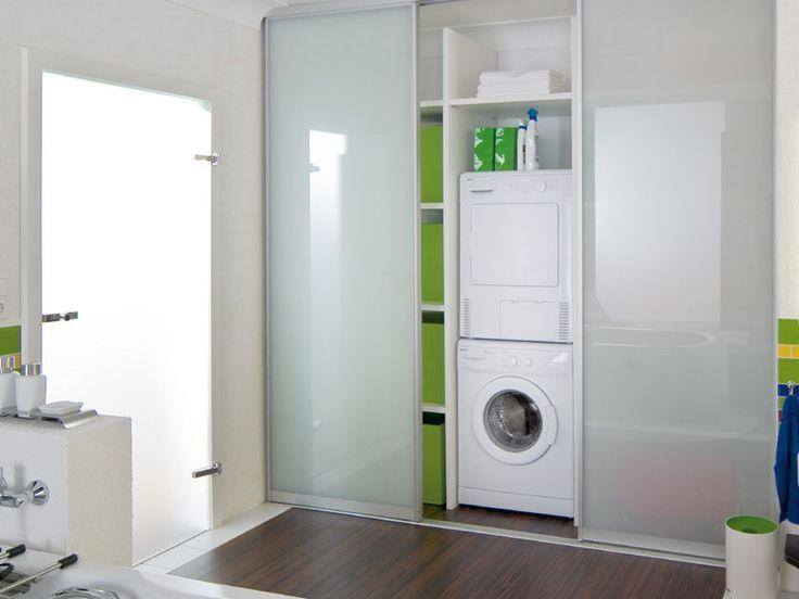 Waschmaschinen-Schrank im Bad