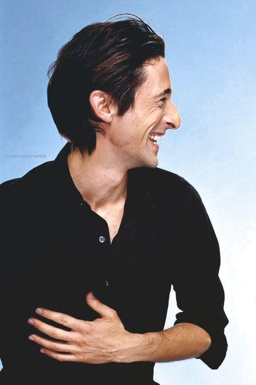 Adrien Brody's face is an extreme example of the typical Dramatic bone structure. Striking nose, hollow cheeks and hard cheekbones. Everything is long and pointy. Looks absolutely unique with his hair slicked back and styled.
