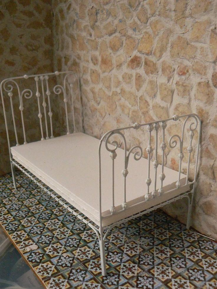 Las 25 mejores ideas sobre camas de hierro antiguas en for Sofa exterior hierro