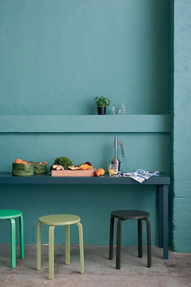Déco inTérieur BLeu et Gris | ... bleu pétrole, tabourets peints nuance de vert et noir. Peinture