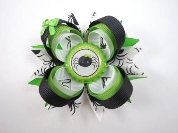 Green and Black Halloween Hair Bow - Green and Black Hair Clip - Spider Hair Bow - Halloween Hair Bow - Green Hair Bow - Black Hair Bow - Halloween - Hair Bows by OhSoPrettyByAsia for $6.25