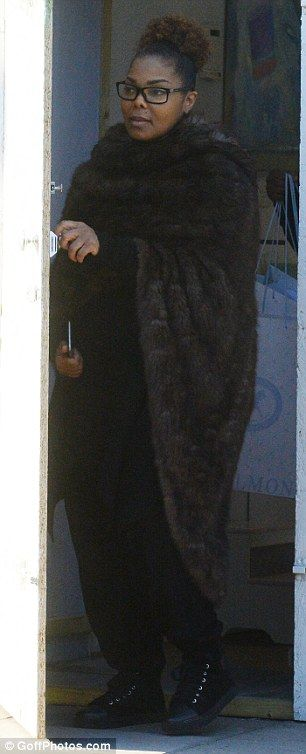 Janet Jackson et son mari Wissam Al Mana Ont accueilli leur premier enfant, Eissa, il y a 3 semaines. La star de la pop a été aperçue pour la première fois à Londres alors qu'elle faisait ses…