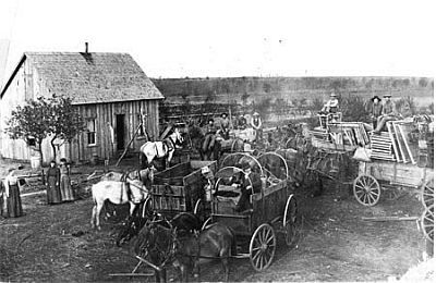 Oklahoma Land Rush 1893 Robert E. Cunningham, photograph collector and Stillwater photographer, chronicled the development of Oklahoma through his historical acquisitions and personal photographs. nationalcowboymuseum.org