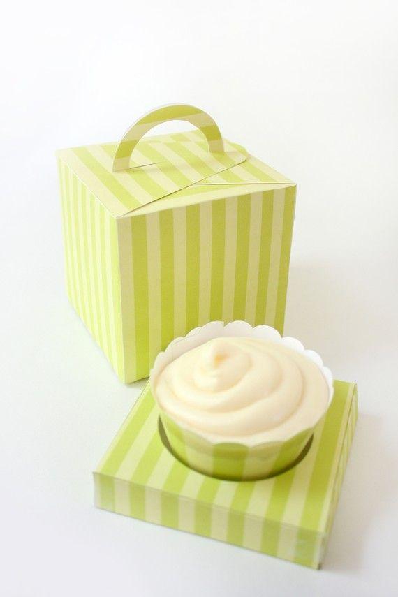 Posh Yellow Stripes Printable Cupcake Holder Box par ThePoshEvent, $3.50
