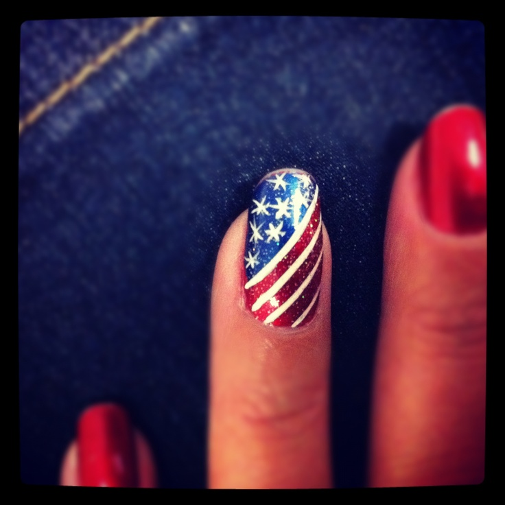 4th of July fingernails painted