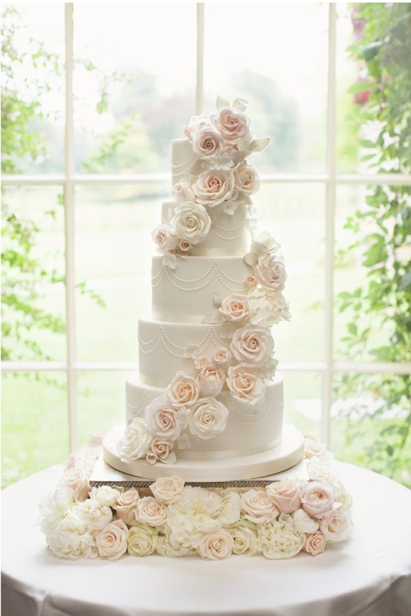 amazing wedding cakes with flowers 25 best ideas about wedding cakes on 10736