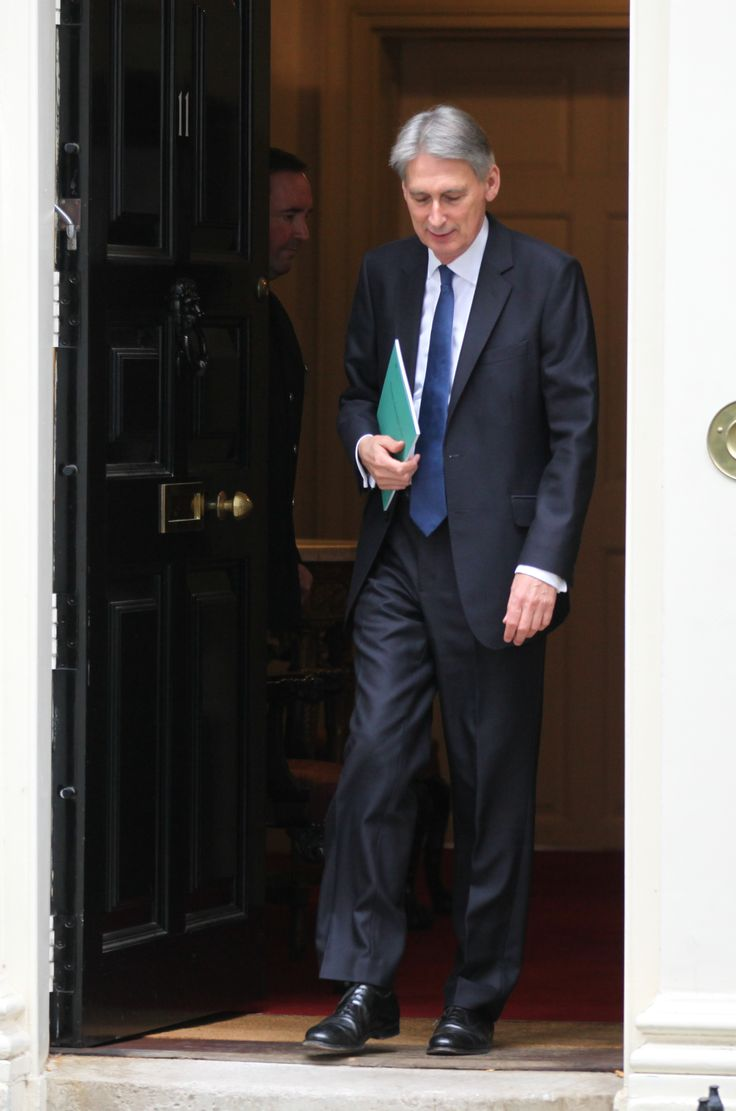 Chancellor of the Exchequer, Philip Hammond, leaves 11 Downing Street to deliver his Autumn Statement to Parliament | Hollywood.com
