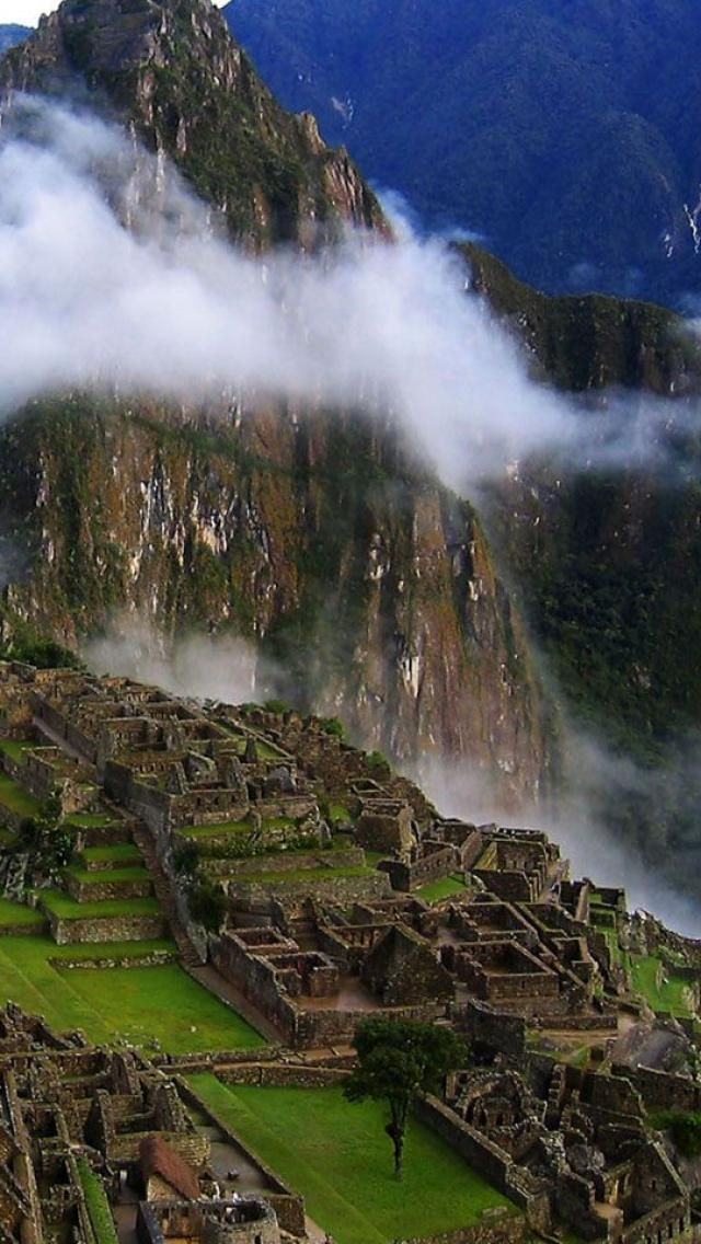 Historic Sanctuary of Machu Picchu, Peru @Dana Dorsheimer 2013-2014