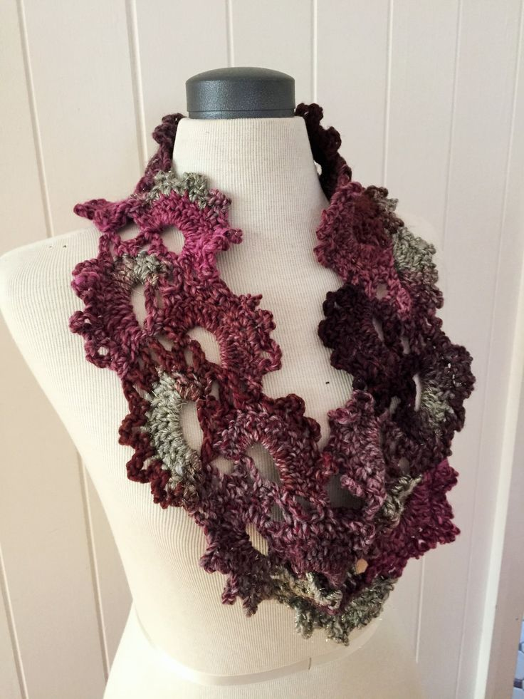 Fan motif purple and silver cowl by GreenfishBluefish on Etsy