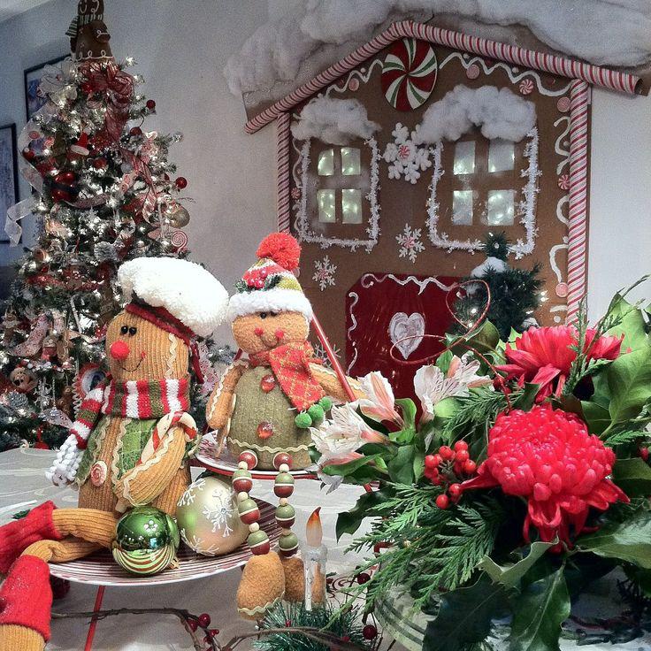 Beach Themed Gingerbread House: Gingerbread Christmas Theme