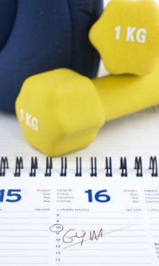 Estamos continuando con el tema del ejercicio por intervalos de alta intensidad (HIIT). Ya vimos que se trata de un ejercicio muy prometedor para la quema de grasas, pero quedaron muchas dudas. ¿Cómo funciona realmente? ¿Cómo es posible que pueda quemar más grasa en menos tiempo? ¿No se supone que para quemar grasa tengo que …