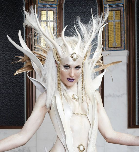 Diosa / corona de la reina hada de la nieve de por AtelierSidhe