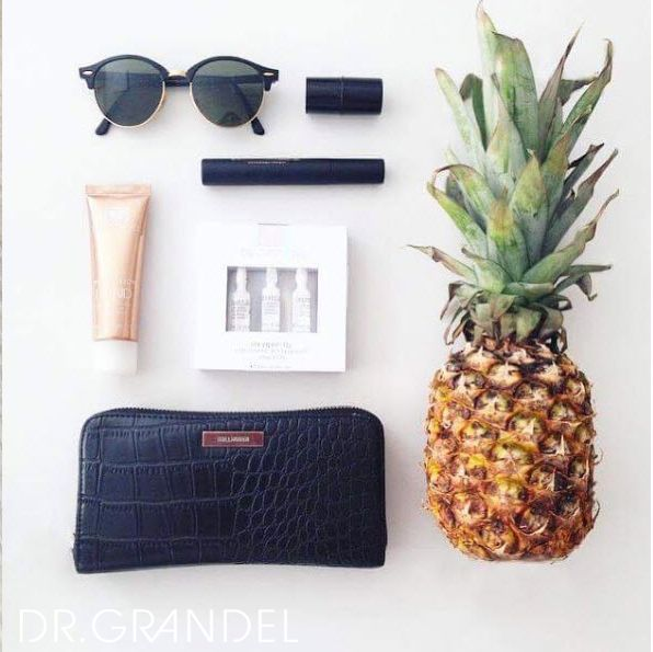 Glättende Anti-Age Handpflege mit UV-Schutz ☀️🍍🕶  #sunnyday #summer #sommer #fashion #bloggerstyle #lifestyle #pineapple #fruits #sunglasses #purses #drgrandel #arabesque #ampoule #ampulle #blogger #blogger_de #blog #beauty #beautyblog #beautyblogger #mascara #cosmetics #kosmetik