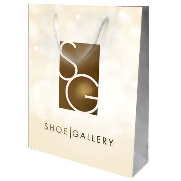 Eksklusiv pose for Shoe Gallery