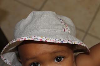 ...Bricotrucs et Bric-à-Brac...: Chapeau de soleil pour bébé bronzé