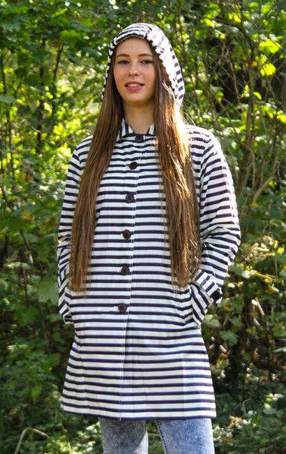 Nieuwe #regenjassen zijn binnen, nu verkrijgbaar op www.stiksels.com New #raincoats available at www.stiksels.com