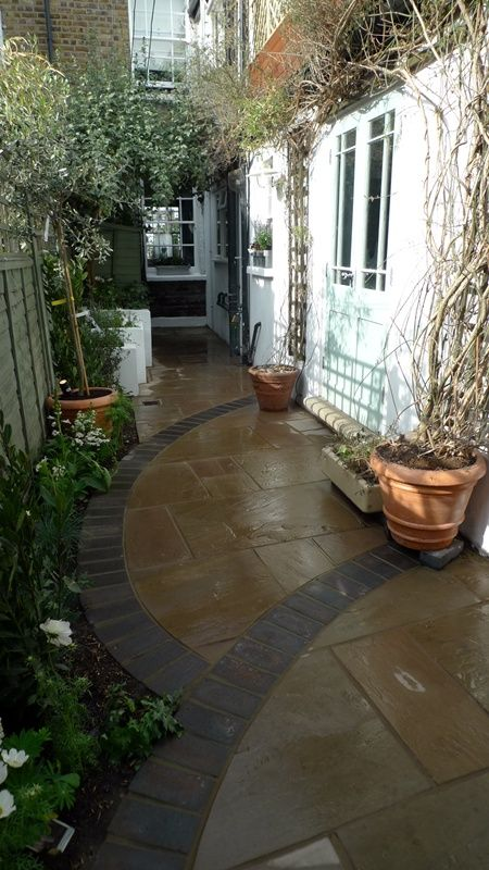 The 25 best paved patio ideas on pinterest paved for Paved courtyard garden ideas