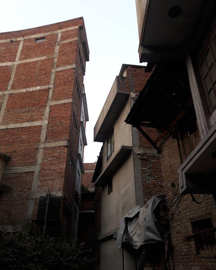 次の #地震 が来たら跡形もなく消えそうなので今のうちに撮っておく #カトマンドゥ #ネパール #kathmandu #nepal #tahiti #タヒティ