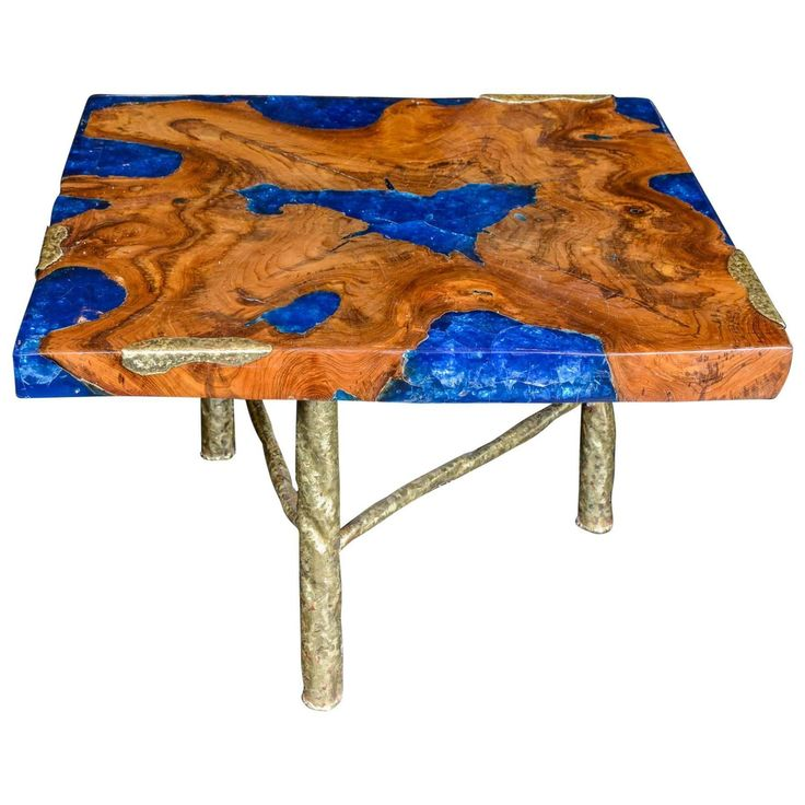 cocktail table with blue resin and wood by henri fernandez - Kopfteil Plant Holzbearbeitung