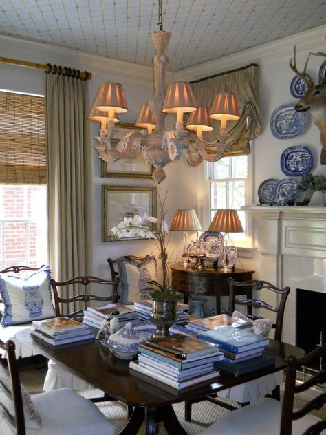 mark phelps interiors - beautfiul blue and white dining room