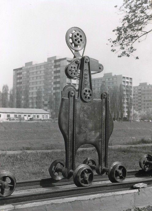 DOX - Výstavy - KAREL NEPRAŠ: Rodina připravená k odjezdu