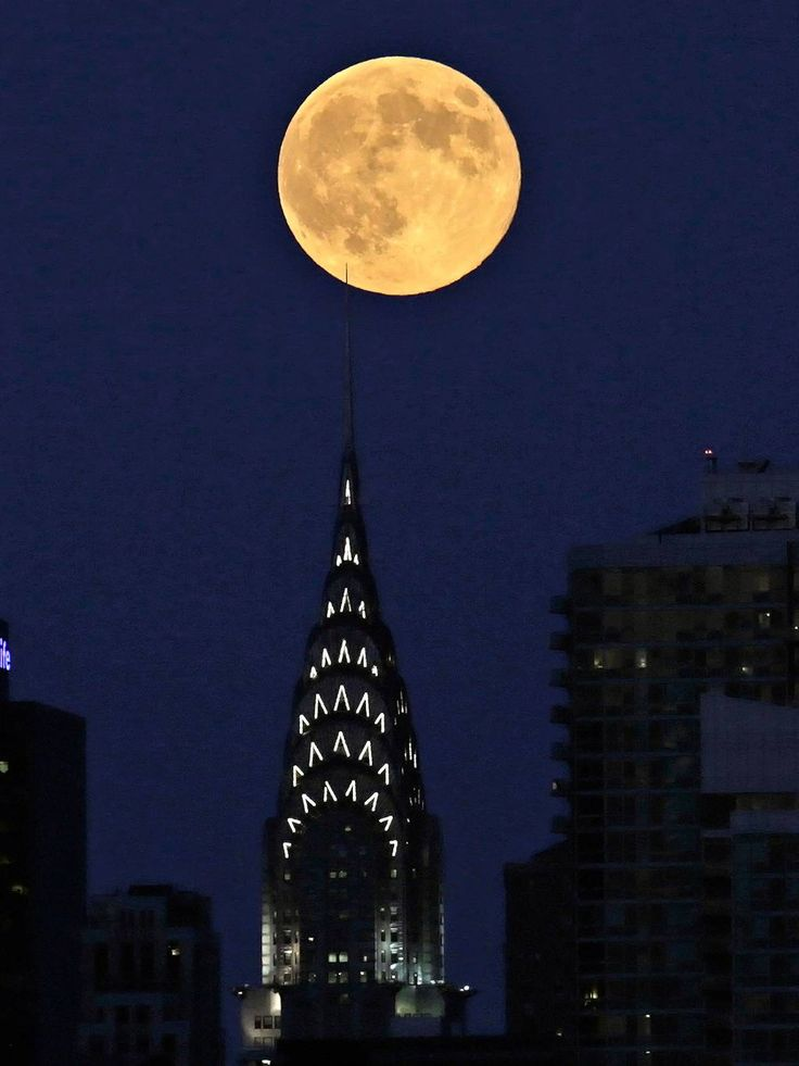 Perigee moon The supermoon is seen rising over New York City from Weehawken, New Jersey, USA