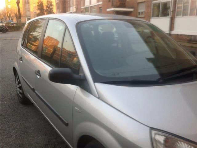 Авто Renault Scenic 2006
