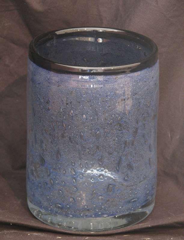 Benny Motzfeldt 1909-1995  Blålig vase med innlagte luftbobler  Randsfjord munnblåst