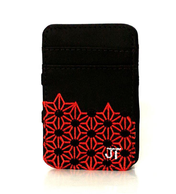 JT Magic Wallet Play Color: Red, Black and White #couro #bordado #fashion #accessories #moda #style #design #acessorios #leather #joicetanabe #carteira #carteiramagica #courolegitimo #wallet