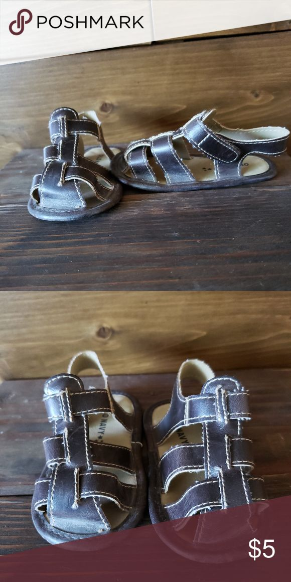 Old Navy Baby Sandals Old Navy 12 Month Baby Sandals A Lightweight Sandal Perfect For Walkers Or Crawlers Like New In 2020 Baby Sandals Navy Baby Lightweight Sandals