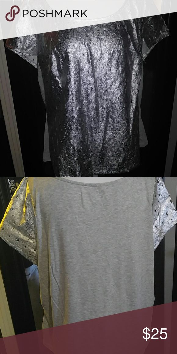 Lane Bryant silver tee Unique design and look definitely a must have Lane Bryant Tops Tees - Short Sleeve