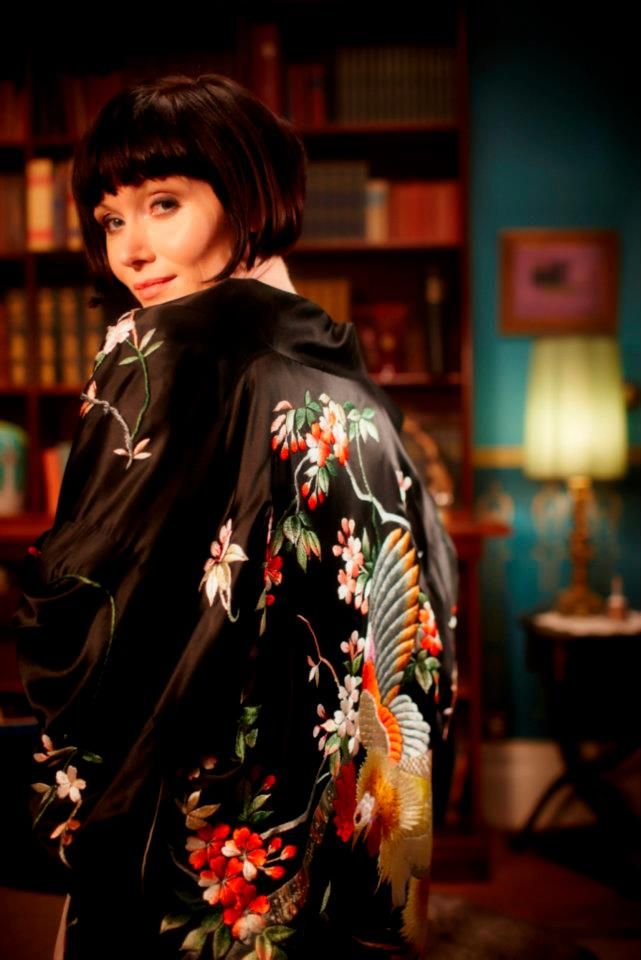 "Essie Davis in ""Miss Fisher's Murder Mysteries""Silk Robe, Fisher Fashion, Fisher Murder, Essie Davis, Murder Mysteries, Phryne Fisher, 1920S, Kimonos, Fisher Wardrobes"